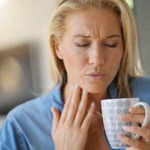 Co powoduje zapalenie gardła?