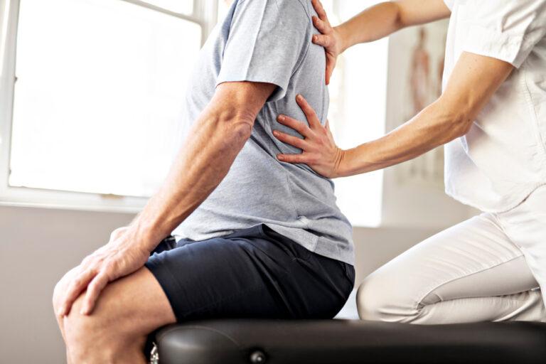 Jak przebiega rehabilitacja kręgosłupa?